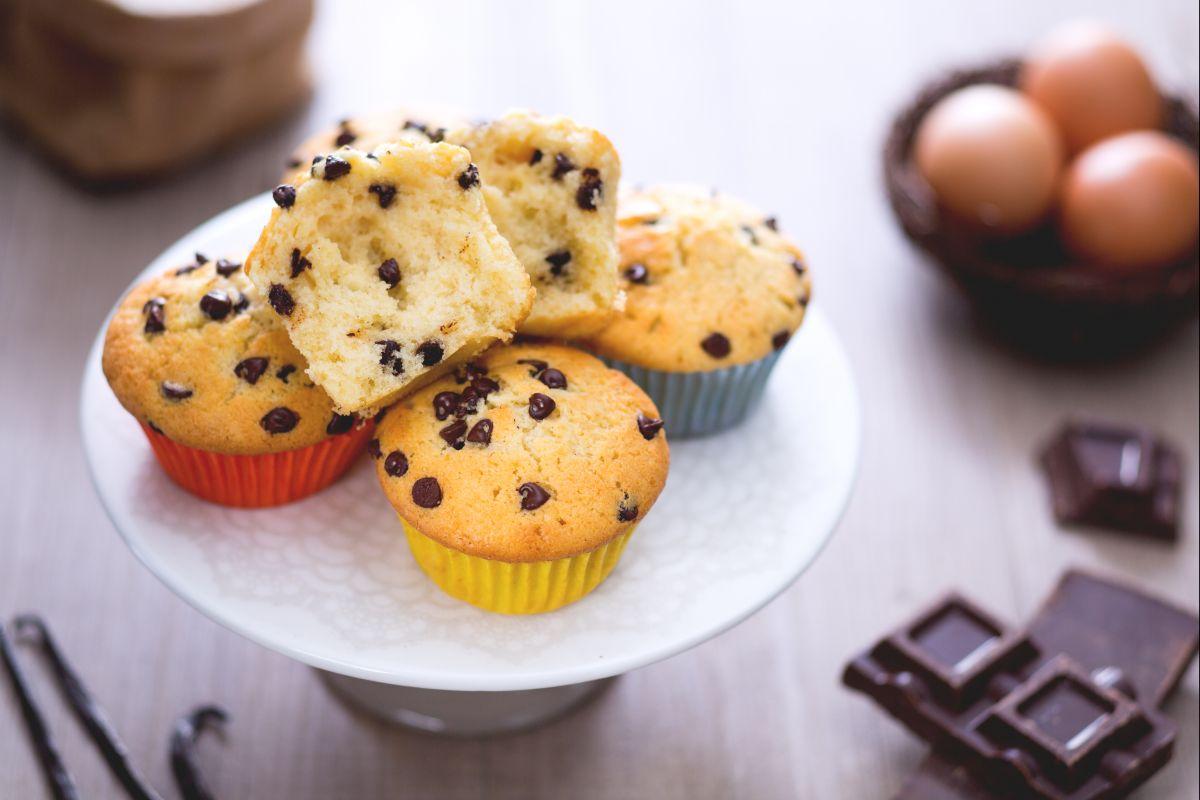 Ricetta Muffin Con Gocce Di Cioccolato La Ricetta Di Giallozafferano