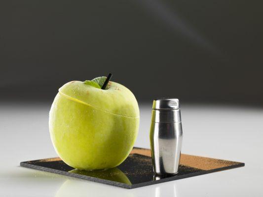 Il cocktail nella mela Granny Smith © Trussardi alla Scala
