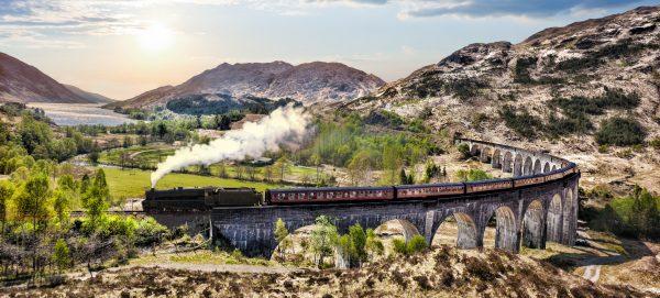 Il treno che porta a Hogwarts © Fotolia