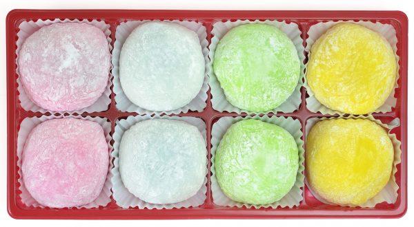 Mochi giapponesi di diverso colore © Fotolia