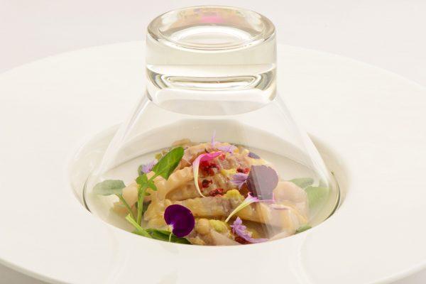 Ricciola del Pacifico affumicata in cupola di vetro - Fonte: Ufficio Stampa A+A