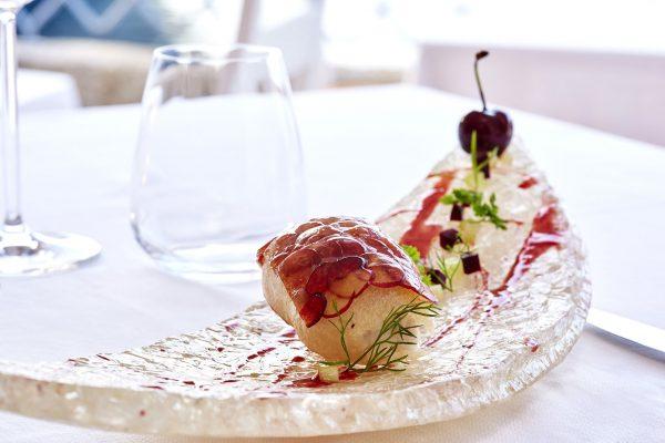 Il piatto creato dallo chef 3 stelle Michelin Heinz Beck per rendere omaggio alla Sardegna e ai suoi ingredienti © Ag.Santi&Santi