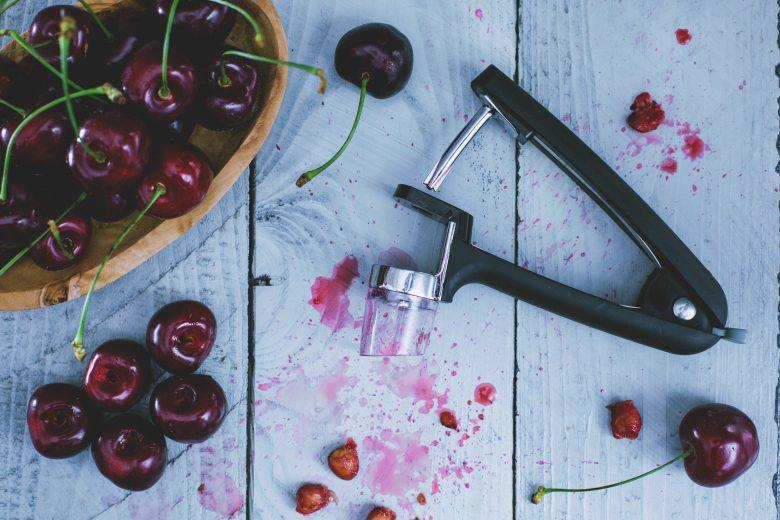 Lo snocciola ciliegie © Giallo Zafferano