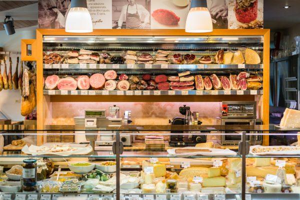 Il banco della gastronomia © Alessandro Famiani