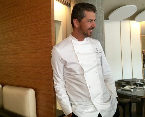 Lo chef Andrea Berton nel suo ristorante Berton di Milano © Giallo Zafferano