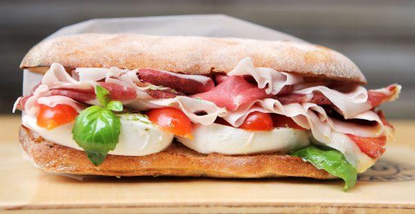 Il Classic, panino al Prosciutto crudo di Suino nero dei Nebrodi © FUD Bottega Sicula