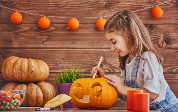 La zucca intagliata è uno dei simboli di Halloween © Fotolia