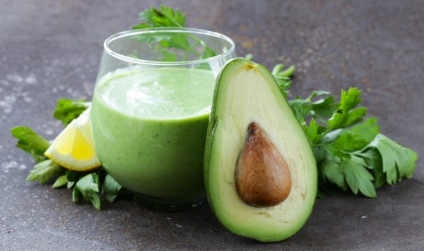 Uno smoothie fresco a base di yogurt e avocado © Fotolia