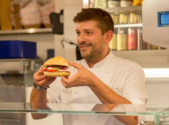 Lo chef Lucio Mele © Pescaria